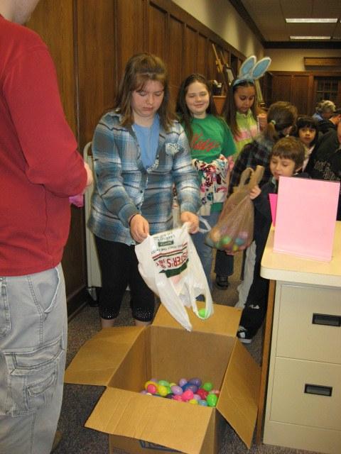 2011-4 Easter Egg Hunt 084.jpg