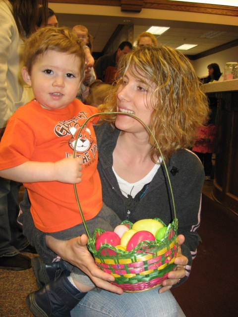 2011-4 Easter Egg Hunt 6.jpg